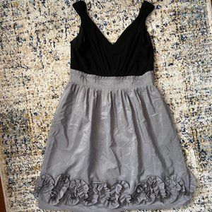 Black and Grey V-Neck Cocktail Dress | Size 4